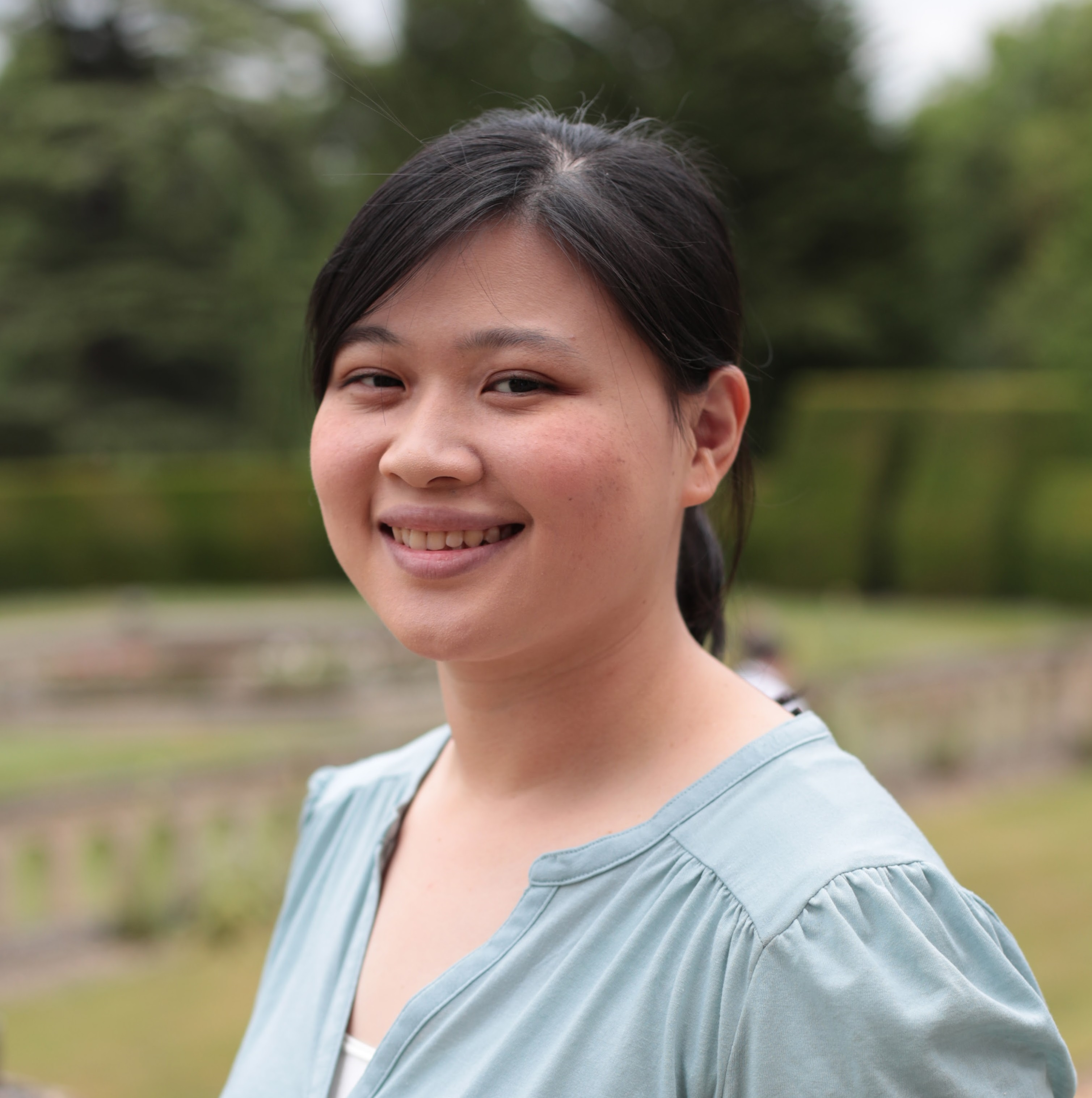 Yunguan Qin 2017 Queen's Young Leader from Singapore