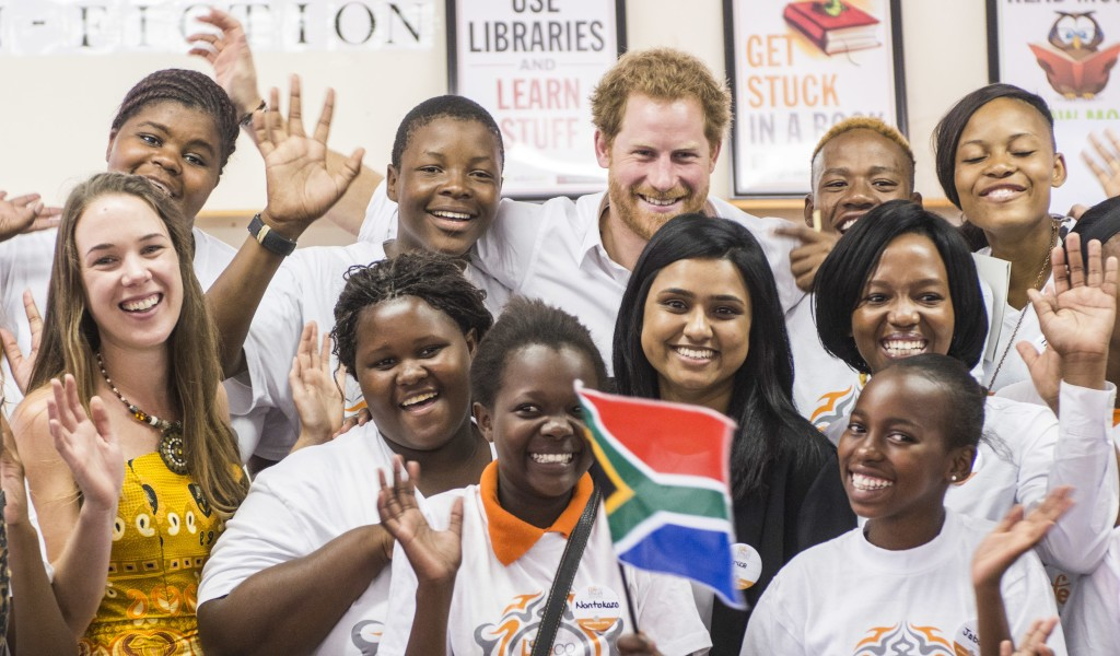 Prince Harry meets 2016 Queen's Young Leaders Award winners